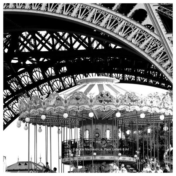 Carousel Eiffel SQUARE WATERMARK