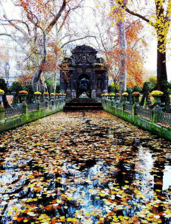 autumn in paris medici fountain