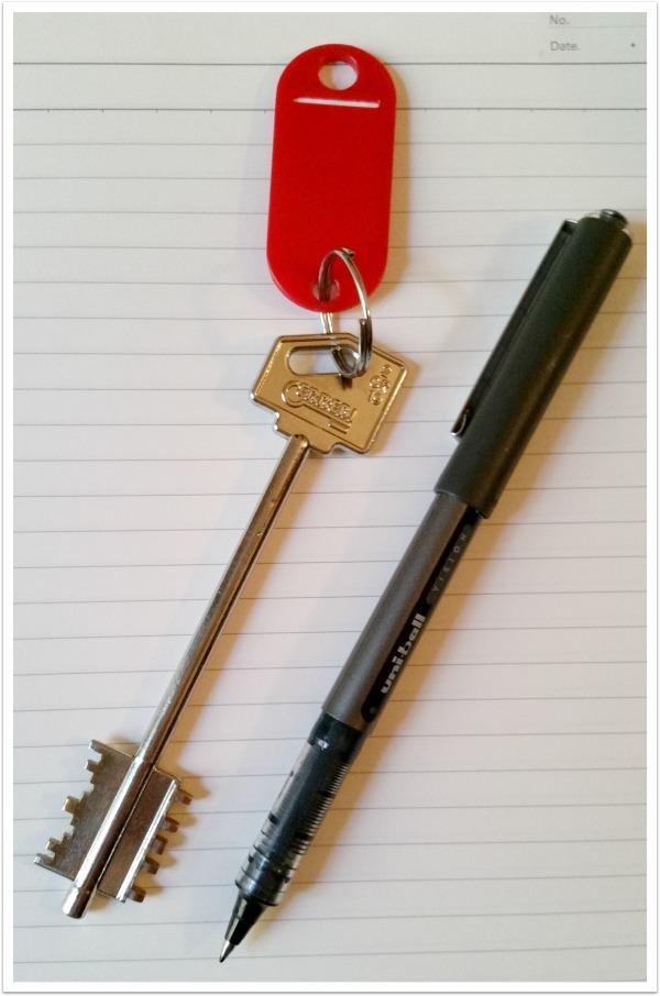 Paris Key and Pen